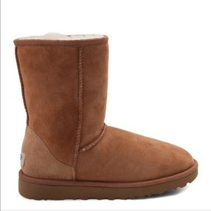UGG Classic ll Genuine Shearling Lined Short Boot